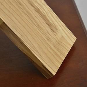 detalle_lampara_bambu_madera_soporte_libros_pie